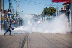 Gobierno de Haití condena violencia durante protestas de policías