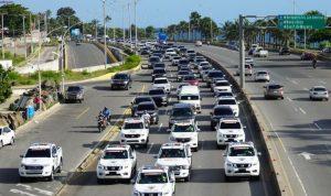 Desde las 2:00 pm hubo «carreteos» en las principales carreteras dominicanas