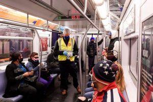 Usuarios metro NY, más preocupados por seguridad que por Covid-19