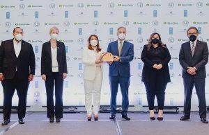 Banco Caribe recibe certificación Igualando RD por equidad de género