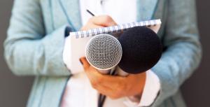 Ven periodistas de RD están atrapados en profunda crisis económica y moral