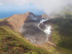 ONU reporta daños en población granadina por erupción de volcán