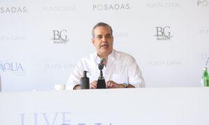 El Presidente Abinader dice la reforma fiscal se discutirá con sector turismo