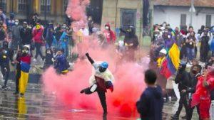 Unos 27 muertos en Colombia «en el marco de protestas», dice la Fiscalía
