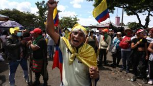 COLOMBIA: Décimo día de protestas mientras avanza en diálogo político