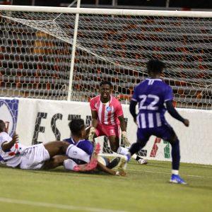 Doblete de Becerra y gol de Batista le dan el primer triunfo al Atlántico FC
