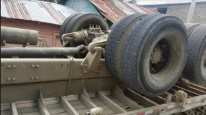 PUERTO PLATA: Tres muertos y dos heridos en volcadura de un camión