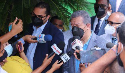 Leonel Fernández pide RD lleve  ante OEA el caso del desvío del río Masacre