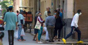 Cuba reporta cifra récord de 1,383 nuevos casos COVID y once muertes