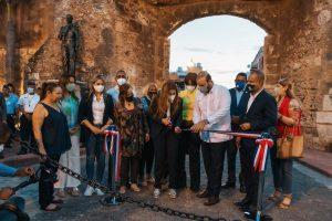 ADN y Banreservas remozan Puerta  Misericordia y Monumento Financiero