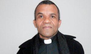 NY: Carismático cura dominicano  acusado de abuso sexual de un menor