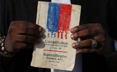 Más voces critican el referendo constitucional de Haití
