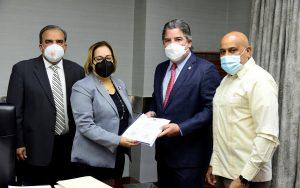 Diputados depositan anteproyecto de Código Electoral en Secretaría de la CD