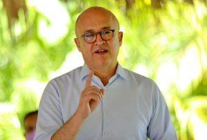 Domínguez Brito urge retomar planes sociales y apoyar producción nacional