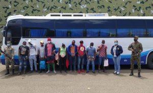 Incautan vehículos y detienen a 141 haitianos durante recientes operativos