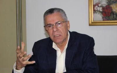 Alcalde Manuel Jiménez pide se aclare apresamiento de vocal de San Luis