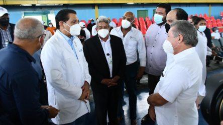 Ministro dice 7 millones tendrían una dosis de vacuna en la próxima semana