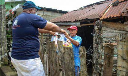 Plan Social lleva alimentos casa por casa a Pedernales, S. Ramírez y El Seibo