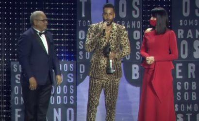 Romeo y Niní Cáfaro reciben los  más importantes premios espectáculo RD