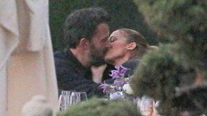 El beso que confirma el romance de Jennifer López y Ben Affleck