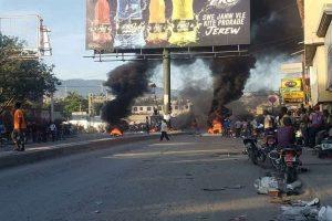 HAITI: Bajo tensión varias zonas de la capital por choques de bandas
