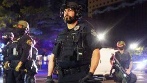 EEUU: Dimite Policía antidisturbios de Portland tras imputación un agente