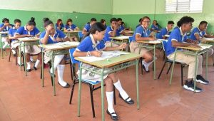 Más de 2 millones de estudiantes vuelven a clases en R. Dominicana
