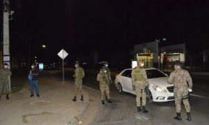 Policía detuvo a 428 personas violaron el nuevo horario del toque de queda