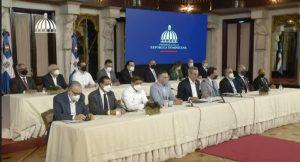 Abinader anuncia aumento salarios privados, subsidios y otras medidas