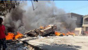 HAITI: Barricadas y saqueos tras funeral de Jovenel Moïse