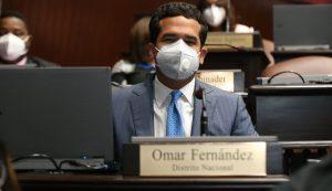 Diputado Fernández somete proyecto para castigar maltrato animal