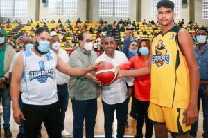 Inauguran torneo de baloncesto superior Monte Plata 2021
