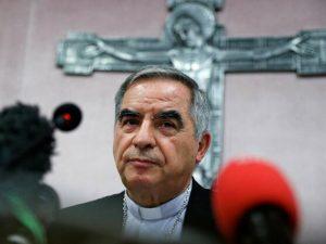 ROMA: El Vaticano dice procesará por malversación y soborno a un cardenal