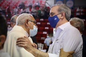 SFM: Presidente participa en la ordenación De la Cruz como obispo