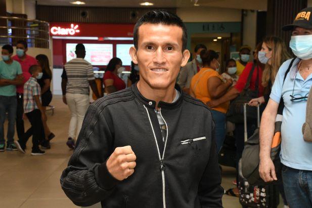 Llega a RD peruano Ricardo Astuvilca para disputar título con 'Mini PacMan'