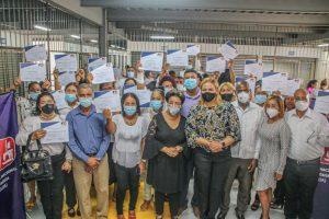 Industria Nacional de la Aguja gradúa 52 estudiantes