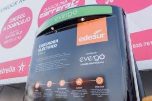 Edesur, Evergo y Texaco inauguran estación para vehículos eléctricos