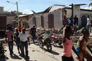 Alumnos muertos y 200 escuelas destruidas por el sismo en Haití
