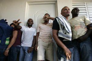 Rescatan a 48 haitianos que trataban de entrar ilegalmente a Puerto Rico