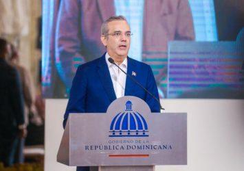 Abinader destaca incorporación de RD a Bolsa Comercio de Santiago de Chile