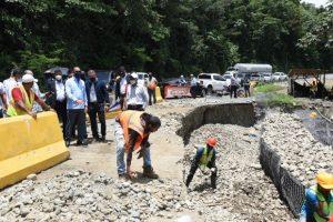 MOPC dispone reconstrucción de puentes derribados en Barahona