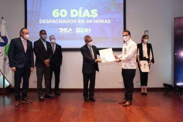 DGA reconoce empresas destacadas en programa Despacho en 24 Horas