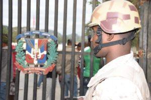Suman 178 mil indocumentados devueltos a Haití en 12 meses