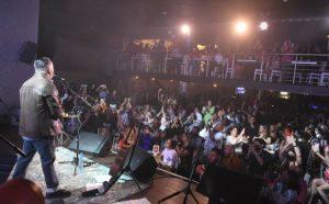 Pavel Núñez celebra 20 años del álbum Paso a Paso en Hard Rock