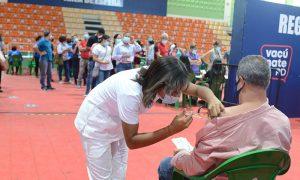 El 54.6 % población dominicana ha recibido las dos dosis vacuna