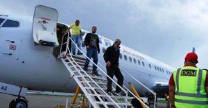 Llegan a R. Dominicana otros 54 exconvictos deportados desde EU
