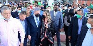 NUEVA YORK: Leonel arribó para juramentar 4,500 miembros de FP