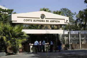 EL SALVADOR: Supremo avala la reelección presidencial inmediata