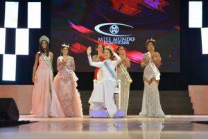 Joven Emmy Peña es la nueva Miss Mundo Dominicana 2021