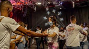 """Más de 300 parejas se dieron cita  a """"Un Récord pa´la Bachata"""""""